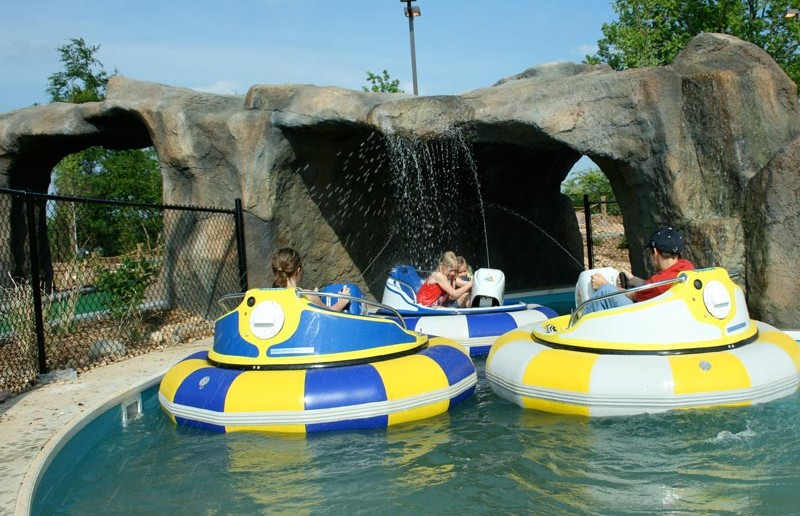 Bumper Boats - Funopolis Family Fun Center